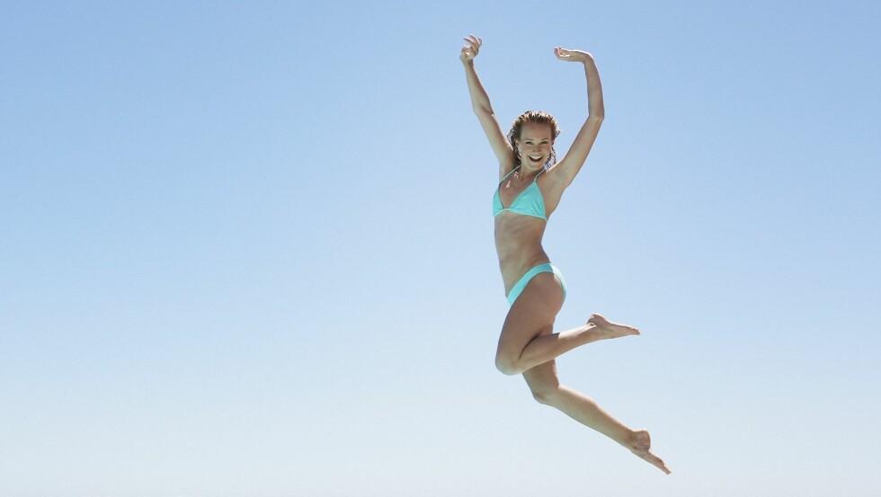 I FORM TIL SOMMEREN: Ikke ta skippertak, start allerede nå - så er du garantert å være i form til bikinisesongen.  Foto: REX/OJO Images/All Over Press