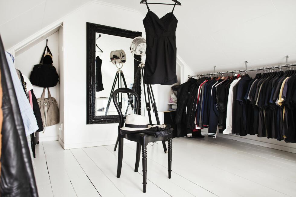 BYGG I HØYDEN: Har du ikke nok garderobeplass på soverommet, kan kanskje loftet over utnyttes? Foto: Lina Östling/IDECORimages