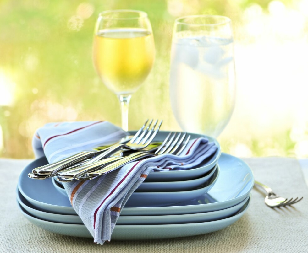 MINDRE SØL: Bytt ut papirserviettene og rekemiddagen blir mye mindre grisete. Foto: All Over Press