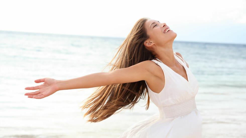 VÆR GREI MED DEG SELV: – Holdbarheten på selvfølelsen er som melka i kjøleskapet, sier livsstilscoach Christine Otterstad. Men i motsetning til melk kan du heldigvis jobbe for å vedlikeholde en god selvfølelse, ved å tenke positive tanker og være oppmerksom på dine gode sider. Foto: Maridav - Fotolia