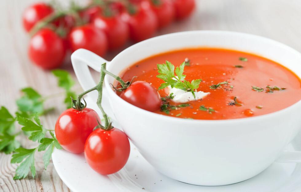 HJEMMELAGET TOMATSUPPE: Har du ordentlige tomater i suppen din, blir den med én gang MYE sunnere. Antioksidantnivået i tomatene forsterkes nemlig når tomatene varmes opp.  Foto: emmi - Fotolia