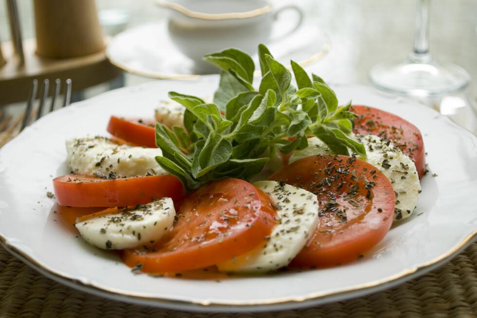 <strong>SMAKFULLT - MYE SUNNERE:</strong> Nei, det er nok ikke det samme som potetgull, men selv når du velger den festeste Mozzerella-osten i hyllene, så inneholder den bare halvparten av kaloriene.  Foto: Filip Corina - Fotolia