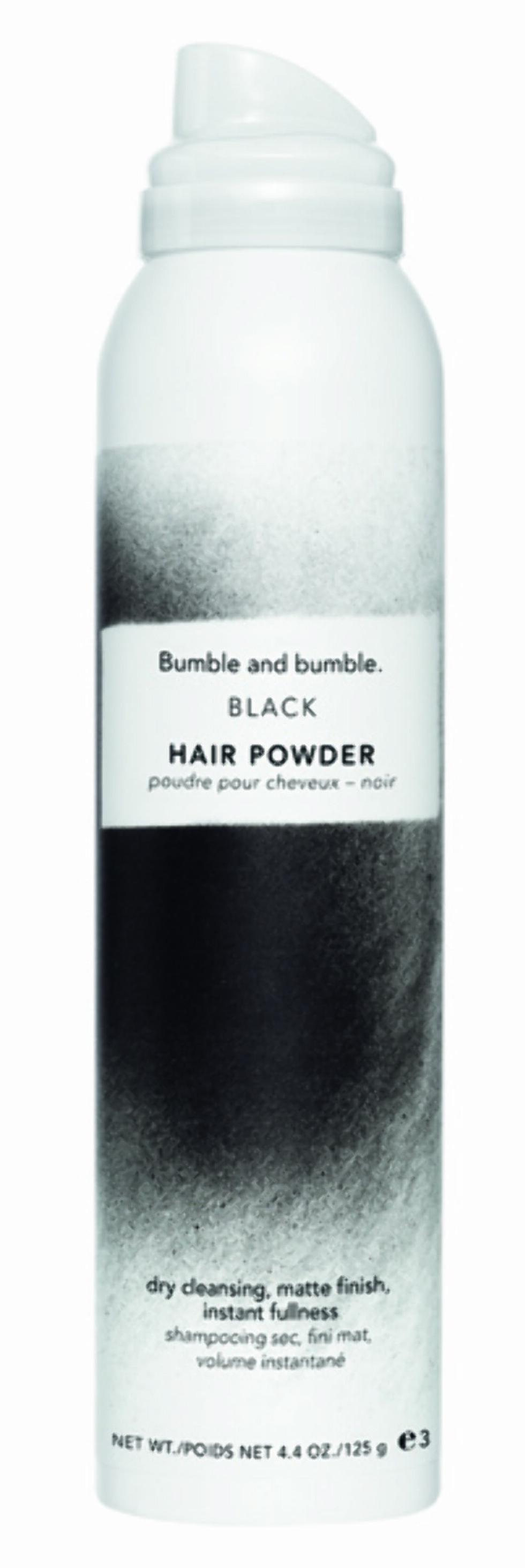 Hårpudder for deg med svart hår fra Bumble and bumble. Kommer i to størrelser: 28 g, kr 235 og 125 g, kr 423.