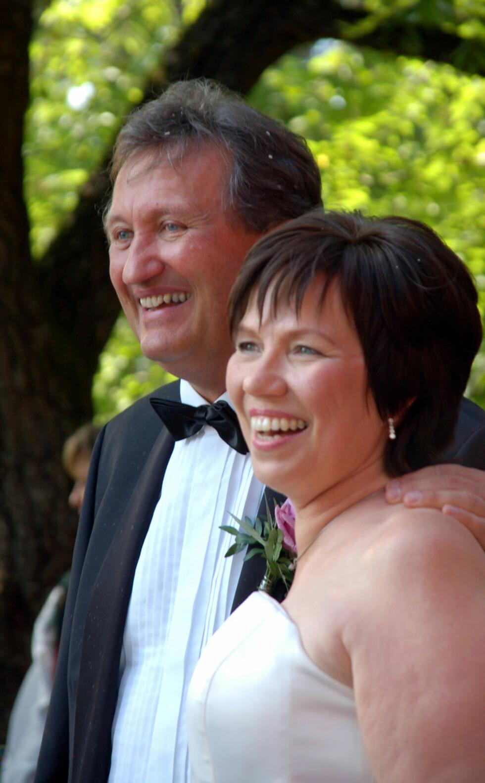 BEATES BAUTA: Tor Petter og Beate giftet seg i Ormøya kirke 22. august 2009. Hun beskriver ham som klippen i livet hennes.