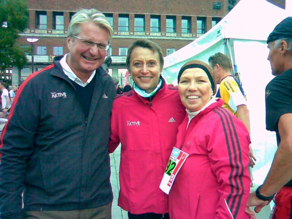 LØP MARATON: Beate løp for Aktiv mot kreft  i september 2008. Her med Grete Waitz, som døde av kreft i april 2011, og Oslo-ordfører Fabian Stang.