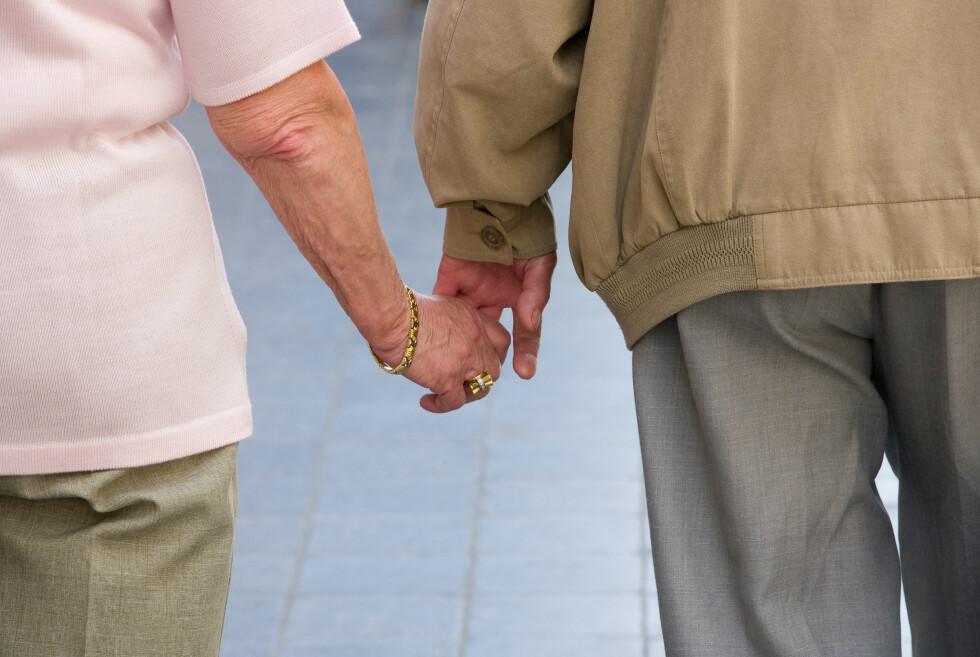 RAMMER FLERE KVINNER: Vi lever stadig lenger og dermed får også flere, særlig kvinner, Alzheimers sykdom.  Foto: All Over Press