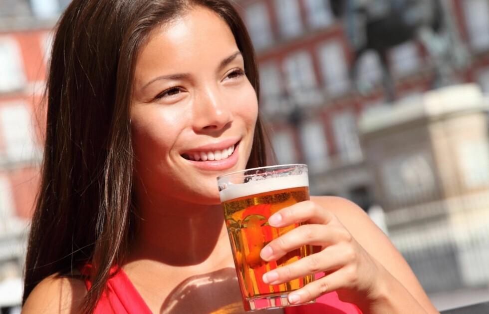 BEGRENS INNTAKET: WHO definerer storforbruk for kvinner på 14 alkoholenheter per uke. Foto: Thinkstock