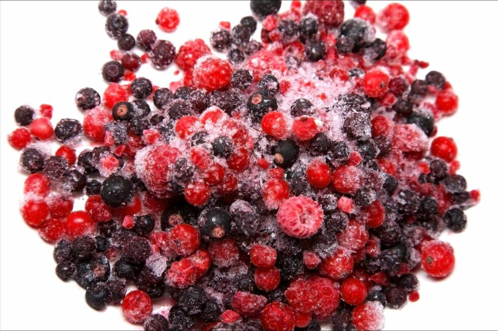 SUPERSUNT: Frosne bær er som kjent supersunt og veldig næringsrikt. I tillegg er det billigere med frosne bær, nå som mange av bærvariantene er ute av sesong her til lands.  Foto: Thinkstock