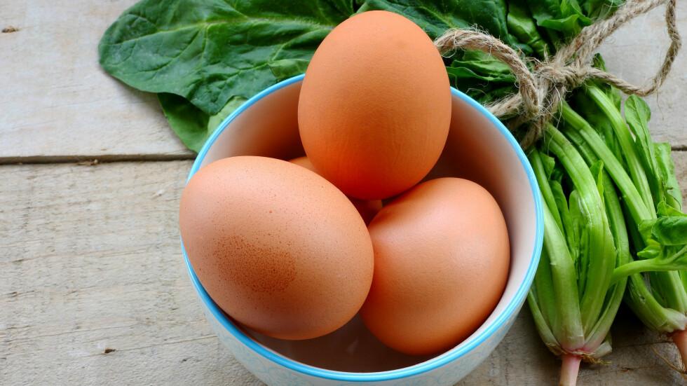 HJERNEMAT: Egg og spinat kan ha positiv effekt på reaksjonsevnen din. Foto: All Over Press