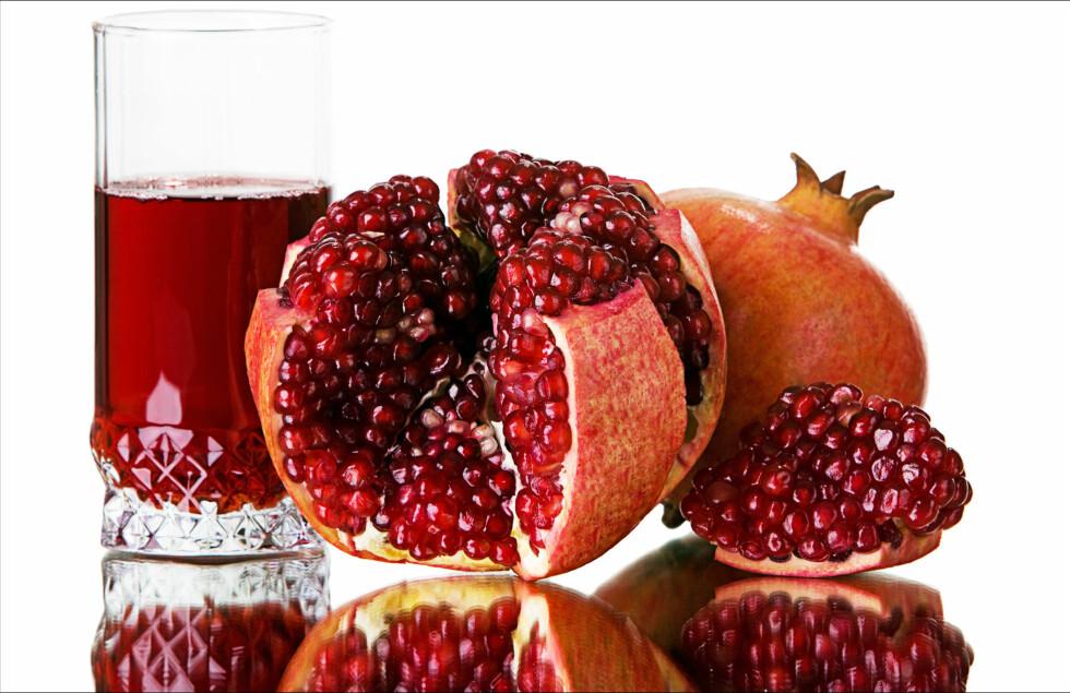GRANATEPLE: Smakfullt og så supersunt. Du kan også få kjøpt granarplejuice eller ekstrakt.  Foto: Colourbox.com
