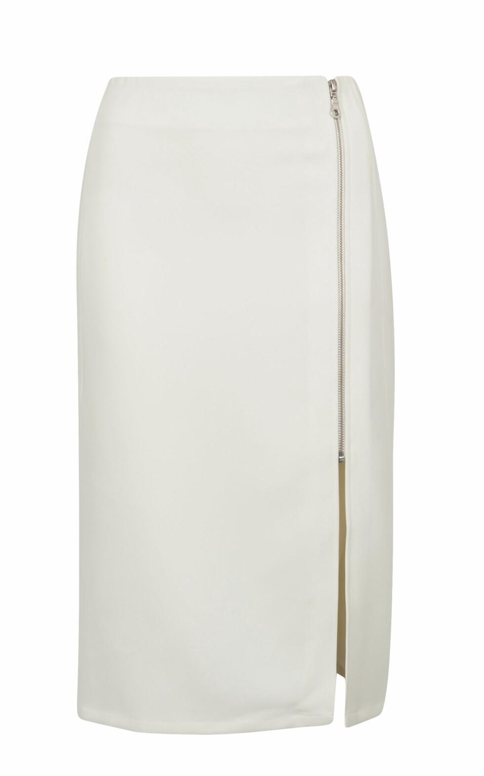 Hvitt med glidelås (kr 2190, Fwss).