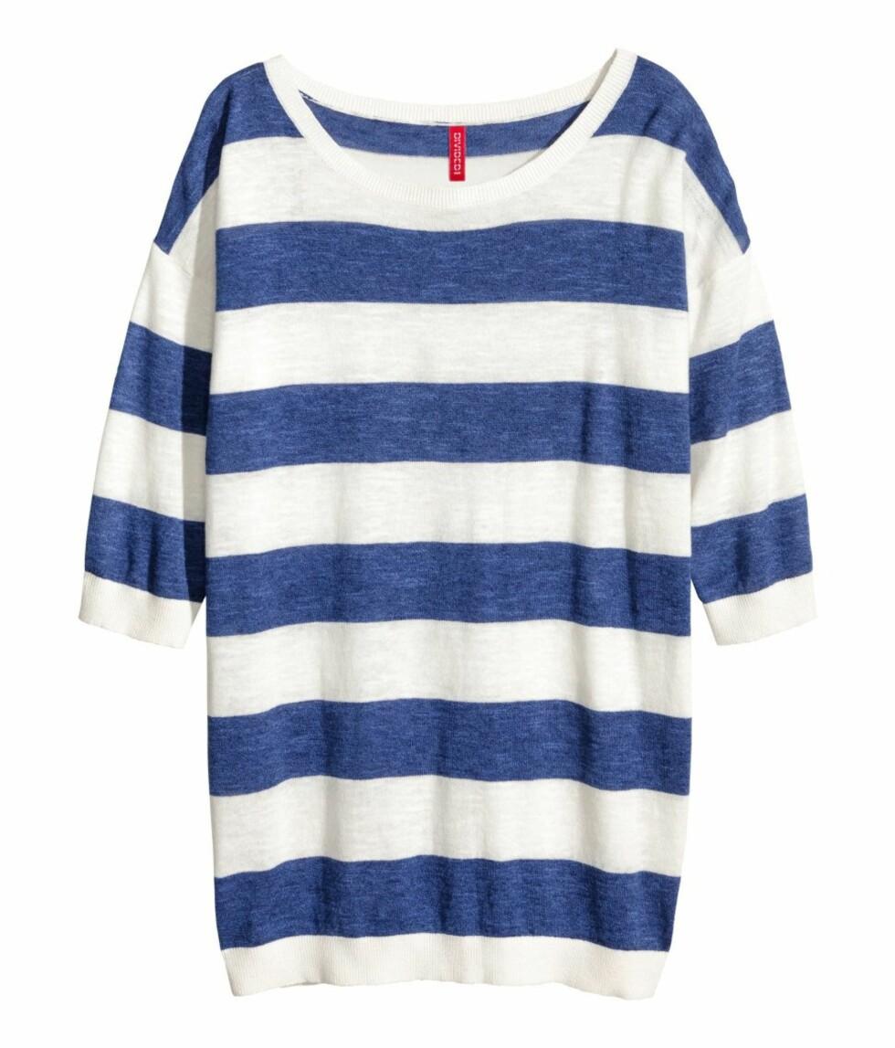 Blå og hvit (kr 150, H&M). Foto: Produsenten