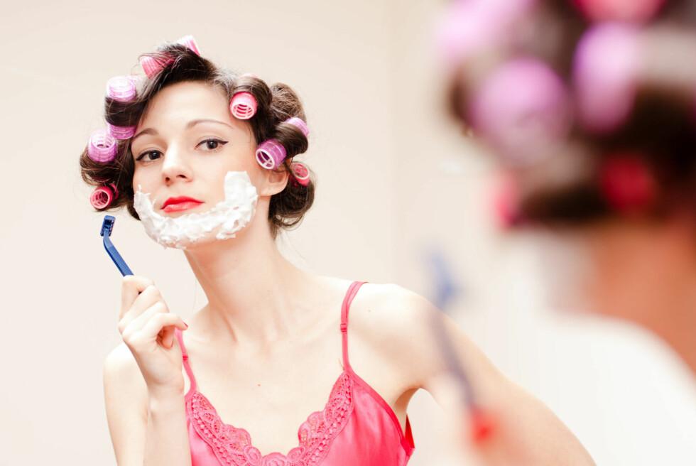 INGEN GOD LØSNING: Barbering av ansiktshår for kvinner er rett og slett ikke en god løsning, sier ekspertene. Foto: stormy - Fotolia