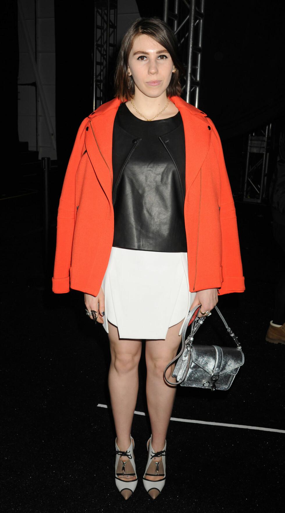 "Zosia Mamet, skuespiller i ""Girls"" var tilstede på visningen til Rebecca Minkoff. Foto: All Over Press"