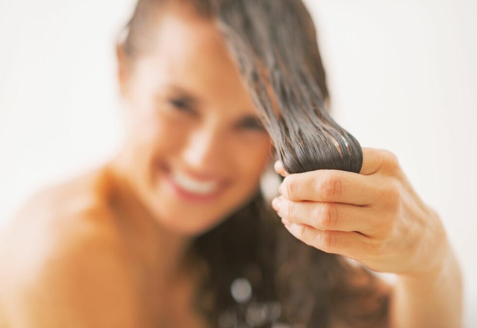 <strong>PLEIE:</strong> En god fuktmaske i håret én til to ganger i uka kan redde deg fra tørt, brusete, glansløst vinterhår.  Foto: Alliance - Fotolia