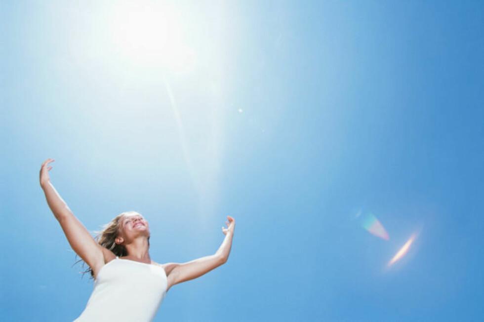 SOL: Det er riktignok den viktigste kilden til D-vitaminer, men vi ser dessverre ikke så mye til den i vinterhalvåret.  Foto: Getty Images