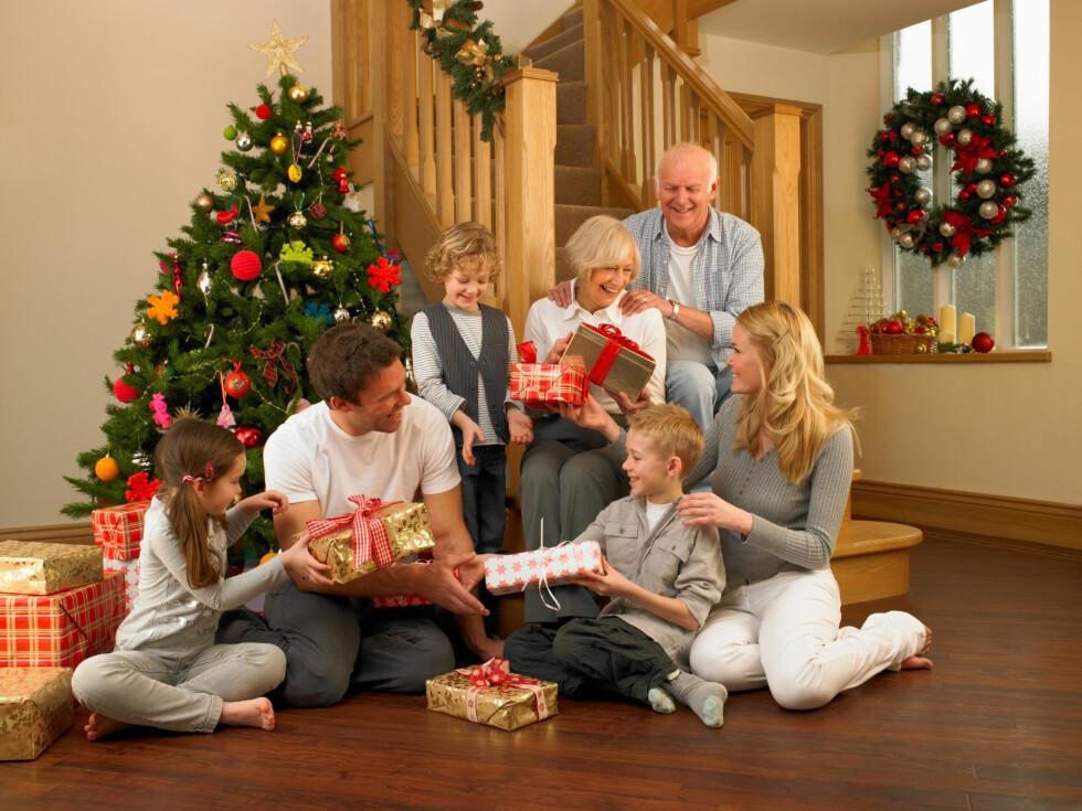 FAMILIE: Om du klarer å komme over lengselen etter en partner er det å feire jul med familien helt supert.  Foto: micromonkey - Fotolia
