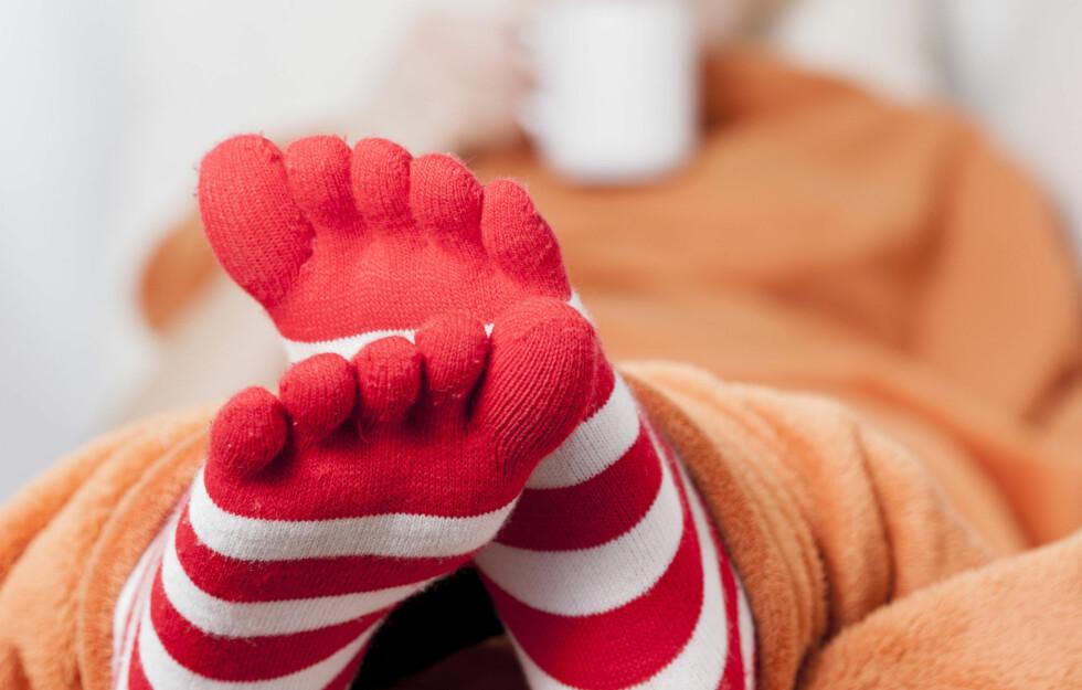 KALDE FØTTER = VARSELSIGNAL: Det er ikke bare den kalde vinteren som gjør at du fryser på beina. Noen plages med dette hele året, og da ligger det ofte noe mer bak. Foto: ASK-Fotografie - Fotolia