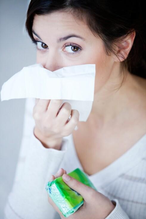 HOLD FOR MUNNEN: Unngå å spre bakteriene. Foto: All Over Press