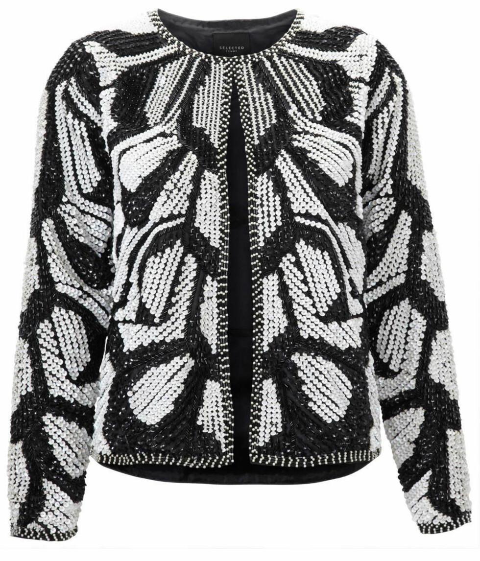 Sort og hvite jakke (kr 1800, Selected Femme). Foto: Produsenten