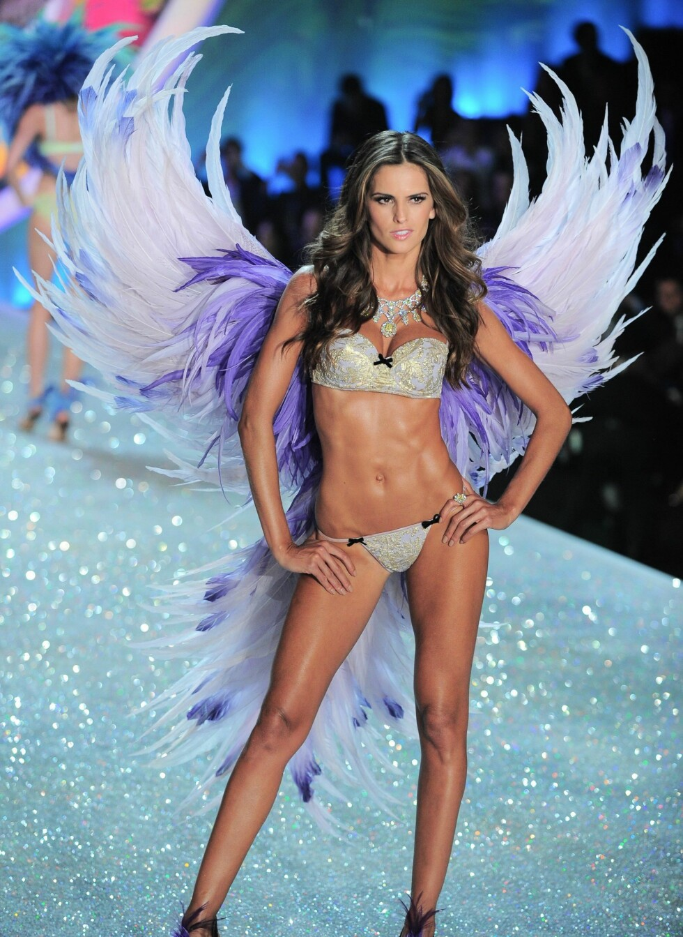 Izabel Goulart on the runway for Victorias Secret Fashion Show 2014 - Runway, Lexington Avenue Armory, New York, NY November 13, 2013. Photo By: Gregorio T. Binuya/Everett Collection  All Over Press *** Local Caption *** 2.02642591 Foto: All Over Press