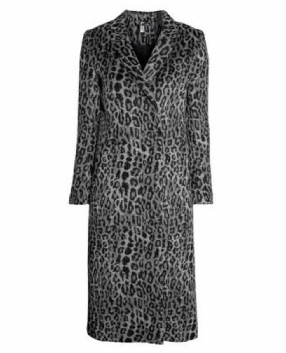 Leopardmønstret lang kåpe (kr 700, Hm.com).  Foto: Produsenten