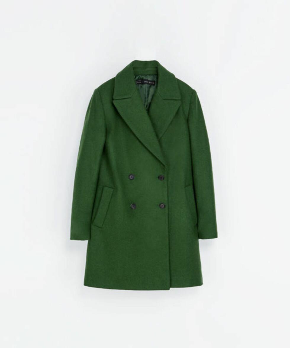 Knall grønn kåpe (kr 400, Zara.no).  Foto: Produsenten