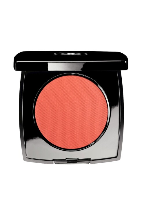 <strong>KREMROUGE:</strong> Kan også brukes på øynene og leppene (kr 340, Chanel i fargen Présage).