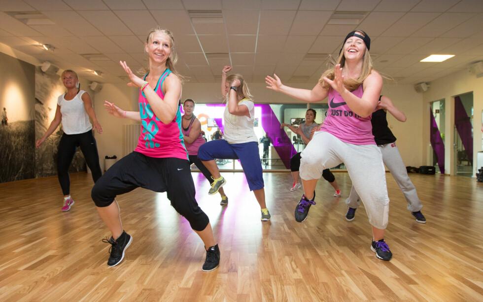 DANS DEG GLAD: Det er ikke bare kroppen som er i aktivitet når du danser. Bevegelsene øker blodtilførselen til hjernen og lykkeskapende endorfiner frigjøres. Foto: Sats