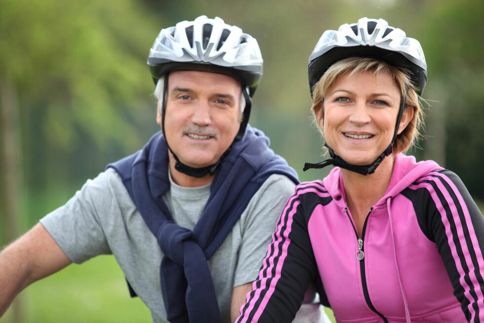 HOLD DEG AKTIV: Det er veldig viktig å holde seg aktiv - også når man etter hvert blir litt eldre. Ekspertene anbefaler imidlertid å prioritere styrketrening fremfor kondisjonstrening, dersom du kun har tid til en ting. Foto: auremar - Fotolia