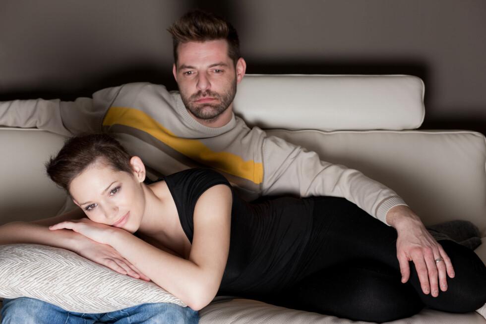 TO TIMER ER FOR MYE: Det å se på tv to timer om dagen er for mye, mener forskere.  Foto: berc - Fotolia
