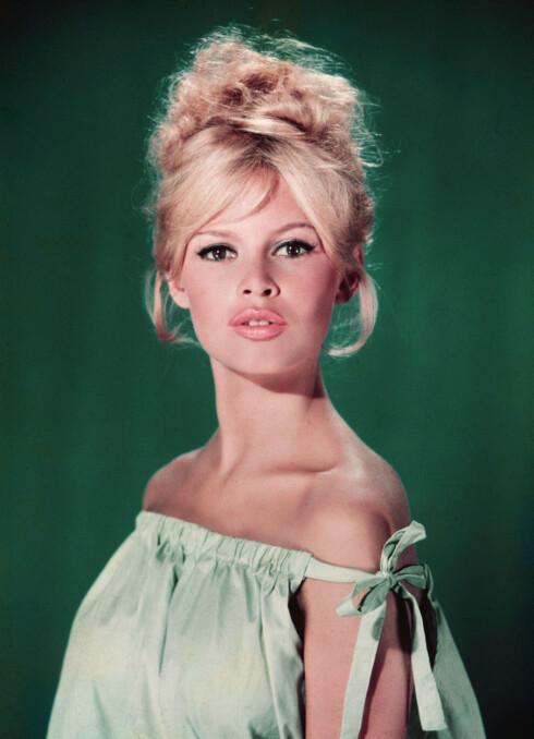 TRUTMUNN: Ikke alle er velsignet med Brigitte Bardots fyldige trutmunn, men vi kan jukse oss litt nærmere med noen enkle sminketriks. Foto: All Over Press