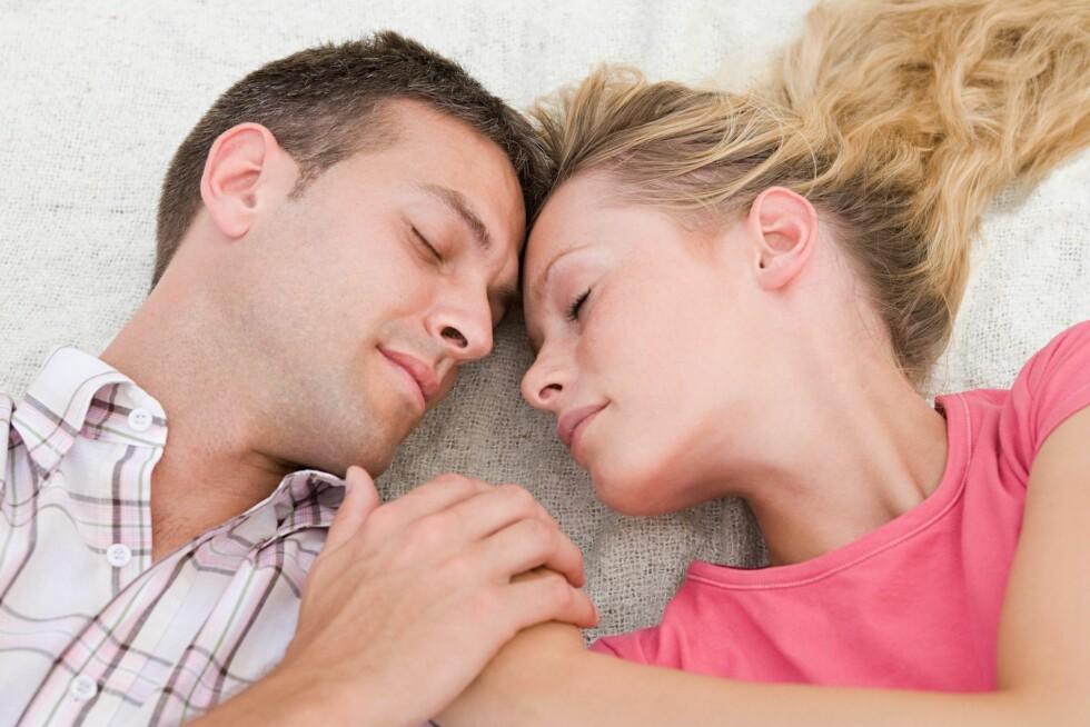 SE PÅ HANDLINGENE HANS: Hvis han vil ha deg, prioriterer han deg, forteller eksperten.  Foto: Image Source