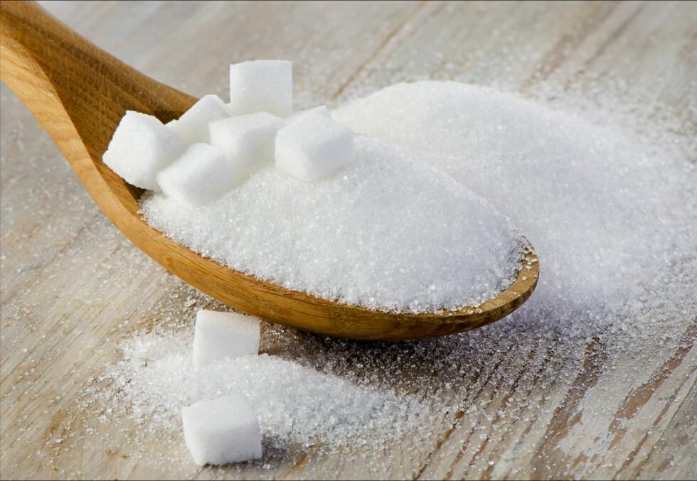 <strong>PÅ VEI NED:</strong> Ifølge helsedirektoratet er sukkerintaket blant nordmenn på vei ned. Likevel er det viktig å tenke over de typiske kildene.  Foto: bit24 - Fotolia