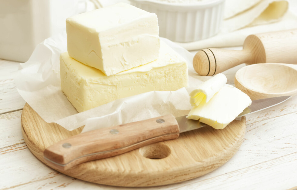 BYTT UT SMØRET: Smør, som ofte er en av hovedingrediensene i bakevarene dine, kan erstattes med avokado. Ikke bare minker du innholdet av mettet fett, men du øker også næringsinnholdet.  Foto: Fotolia