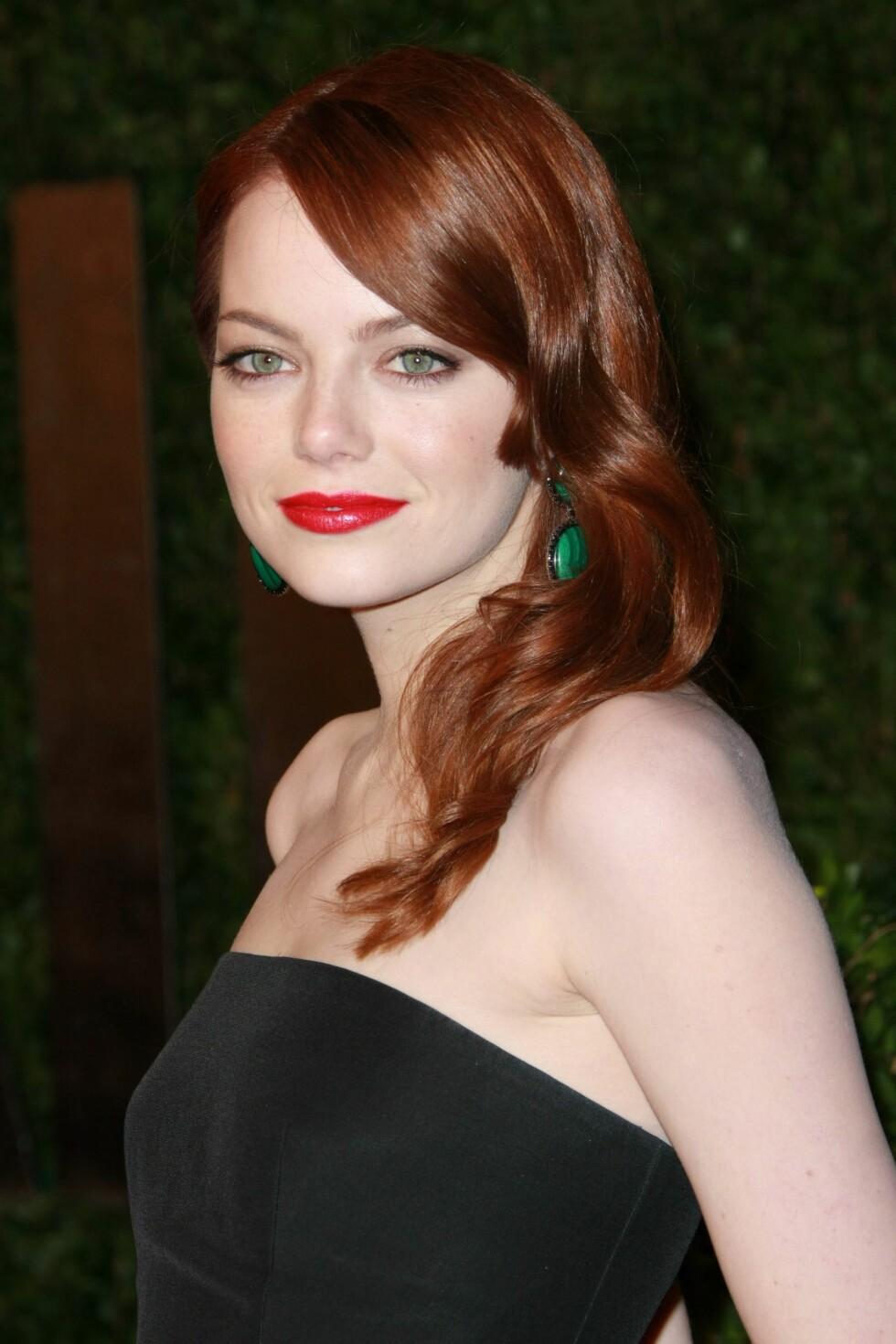 RØDT OG RØDT: Rødt hår og røde lepper. Vi elsker det!  Foto: All Over Press