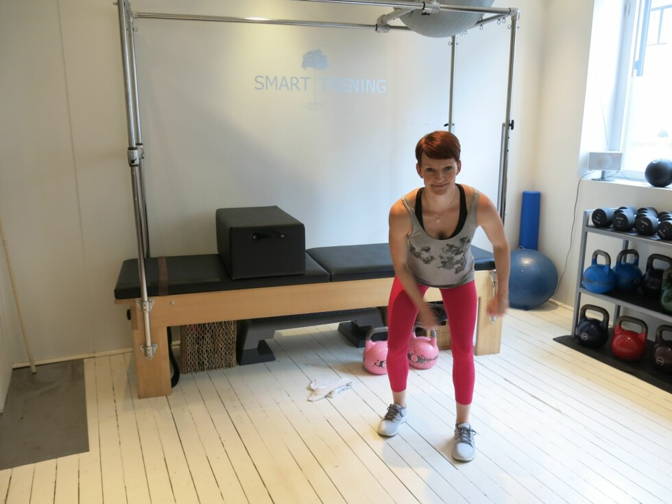 """KLASK I VEI: Slå det lett på rumpe og lår for å """"varme opp"""".  Foto: Helle Bornstein"""