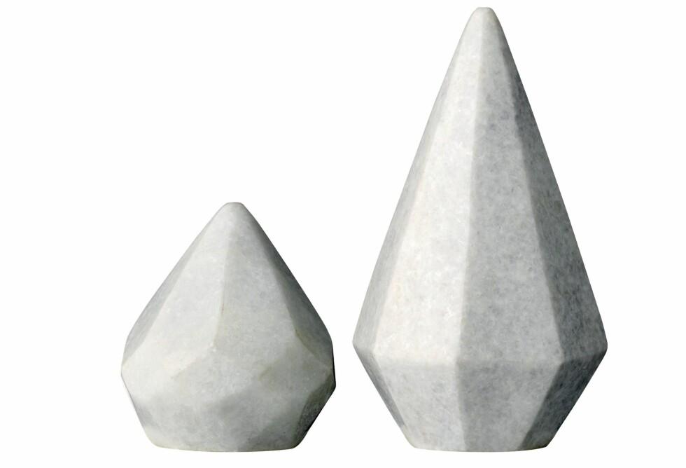Lite skulptursett i marmor (kr 250 for to, bloomingville.com). Foto: All Over Press Norway