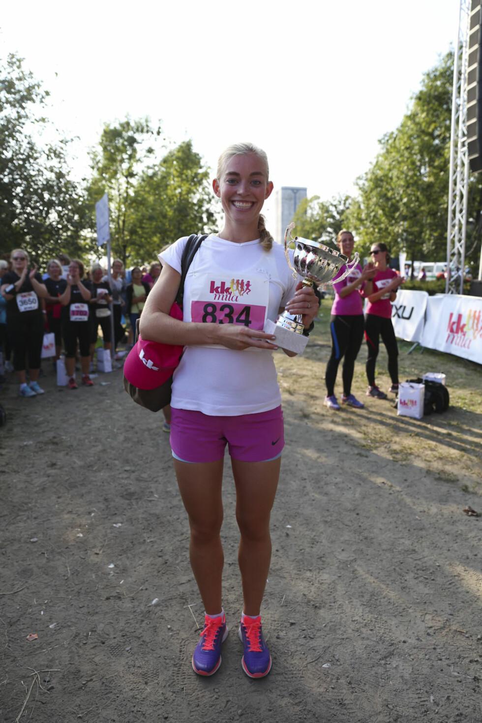 VINNER 10 KM: Cecilie Isern som suste i mål på fantastiske 42 minutter og 1 sekund. Foto: Vilde Borse