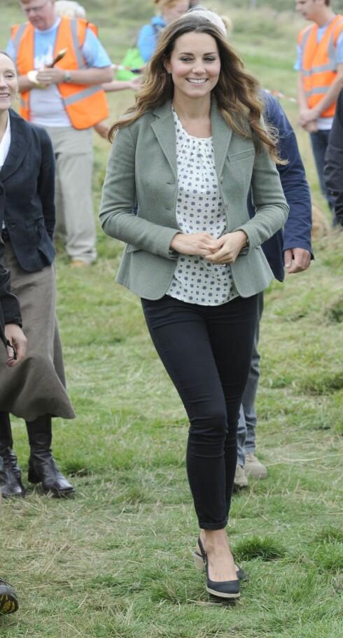 <strong>NYBAKT MAMMA:</strong> Hertuginne Kate avbildet før helgen. Foto: All Over Press