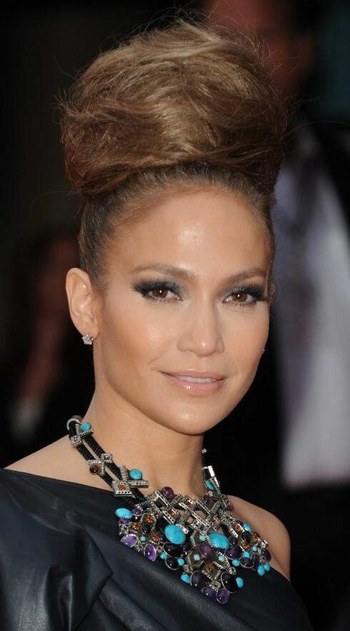 HØY: Jennifer Lopez går for volum. Foto: All Over Press