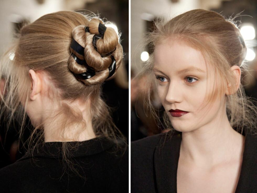 ROCKA: Flett eller tvinn håret sammen med et bånd og samle det i en topp.  Foto: Copenhagenfashionweek.com