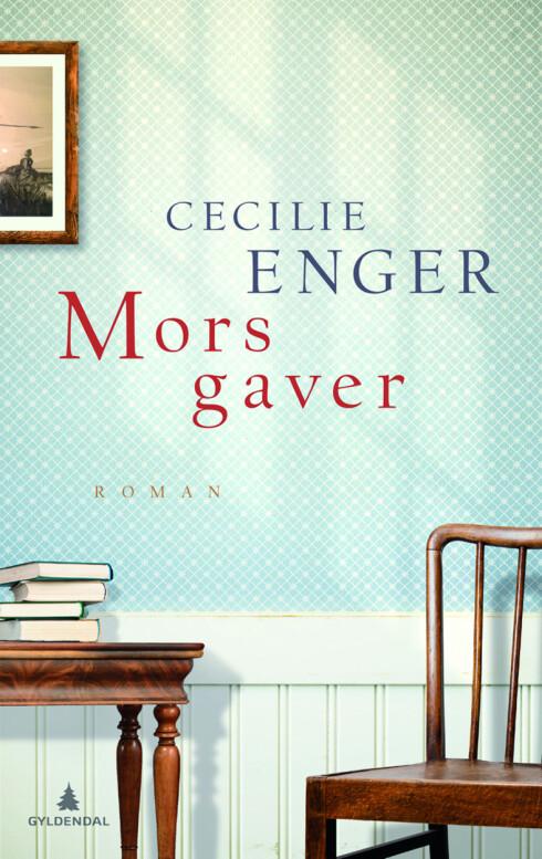 """SKREV BOK: Cecilie Enger har skrevet boken """"Mors Gaver"""" (utgitt av Gyldendal) om morens Alzheimers-sykdom."""