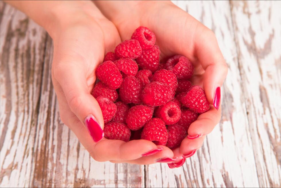 GODT FOR HELSEN: Bær er blant de fruktene som kan redusere risikoen for demens senere i livet, takket være antioksidantene. Foto: Fotolia