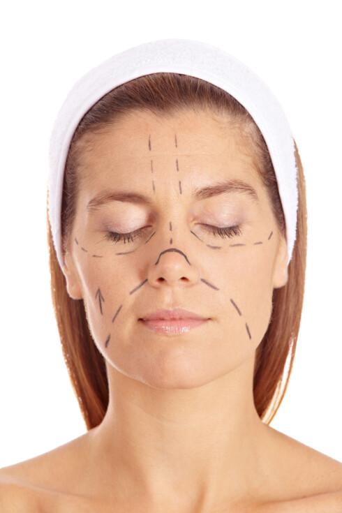 <strong>EN AV TI:</strong> En tidligere undersøkelse har vist at en av ti kvinner mellom 30 og 55 år i Norge har fått utført medisinsk kosmetisk behandling eller plastisk kirurgi. Foto: Robert Kneschke - Fotolia