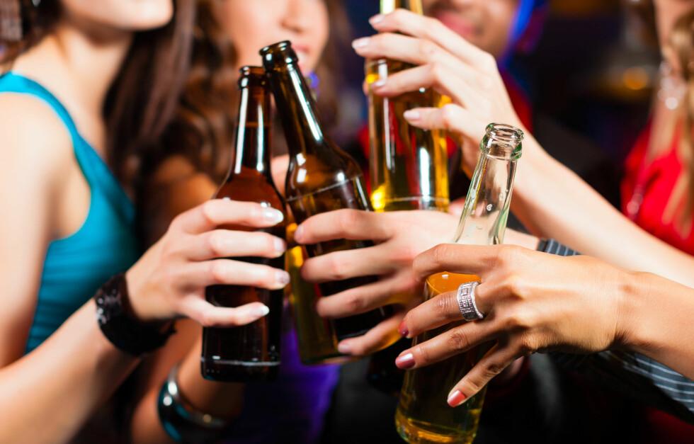 ALKOHOL: Ny forskning viser at bakrus kan påvirke hjernen din negativt.  Foto:  Fotolia