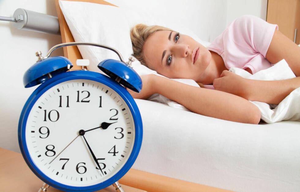 LYS VÅKEN: Mange opplever at de er trøtte på ettermiddagen og lys våkne om kvelden. Dette er helt normalt og kan skyldes en ubalanse mellom søvnbehovet og døgnrytmen din.  Foto: Gina Sanders - Fotolia