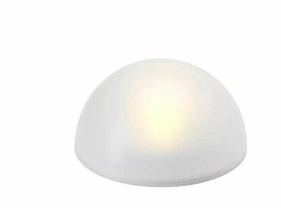 Solcelledrevet belysning (kr 70, Ikea).