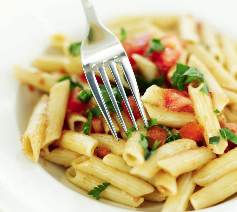 KUTT NED: Ifølge Bornstein bør du ikke spise mer enn 100 gram karbohydrater om dagen, dersom du ønkser å gå ned i vekt.  Foto: Getty Images