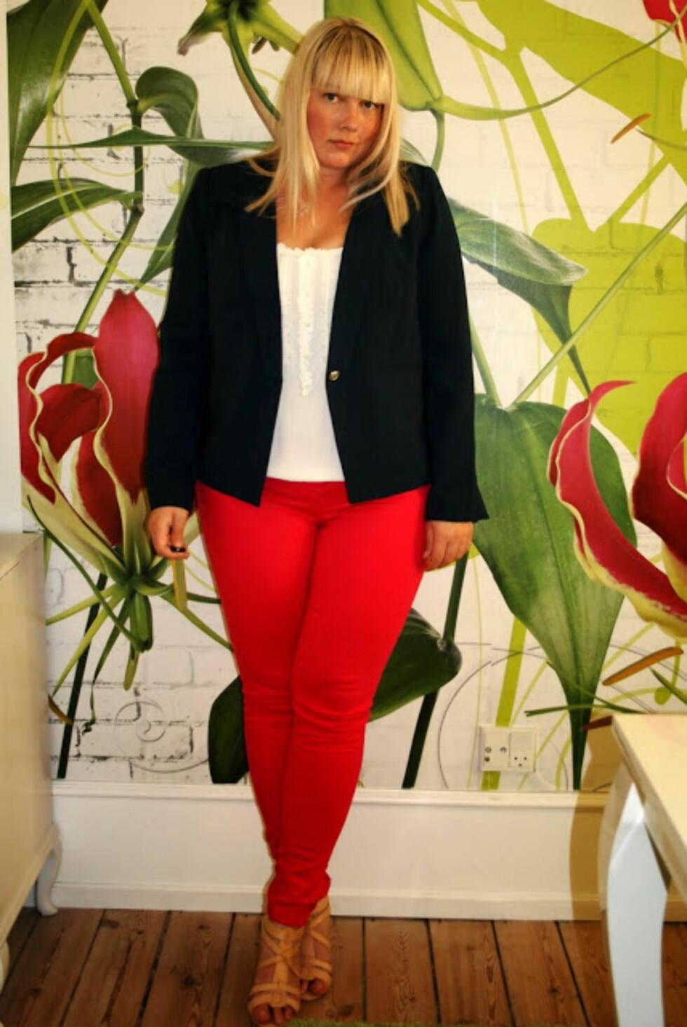 SKANDINAVISK SNERT: Karina viser hvor godt den skandinaviske stilen kler jenter med former. Foto: Copenhagen Curves